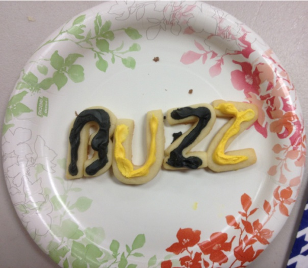 Buzz! Fun cookies at the Splash LOL event.